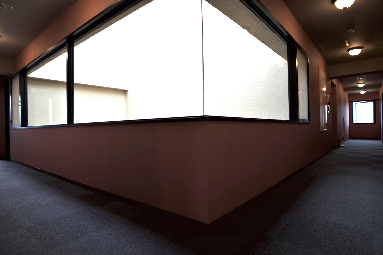 36_DMS_hallway